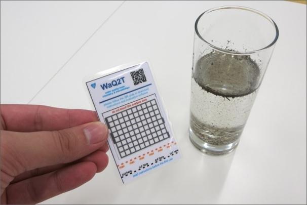 Malá kartička upozorní na kontaminaci pitné vody