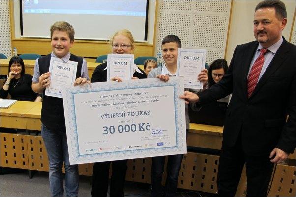 Tým školáků z Bohuňovic vyhrál 30 tisíc korun od společnosti Siemens