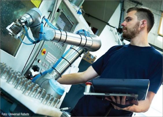 Těsné partnerství s lidmi: roboty z Dánska jsou navrženy pro přímou spolupráci s lidskou obsluhou ve výrobě. /Foto: Universal Robots/