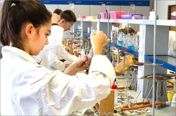 Projekty mladých chemiků se zaměřily na recyklaci odpadu
