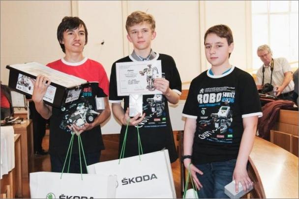 Druhý ročník Robosoutěže pro základní školy zná své vítěze