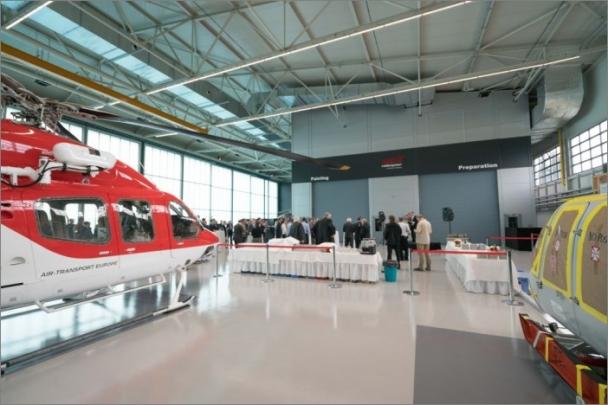 Společnost Bell Helicopter rozšiřuje své kapacity v Evropě – otevírá novou lakovnu a centrum dodávek v Praze