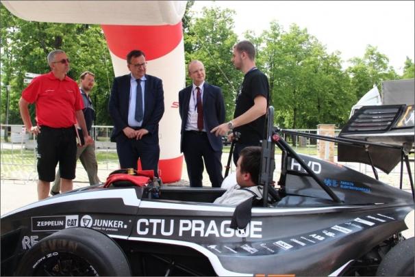 Letos se na startu závodu FIA Alternative Energies Cupu sešlo 51 vozů poháněných CNG