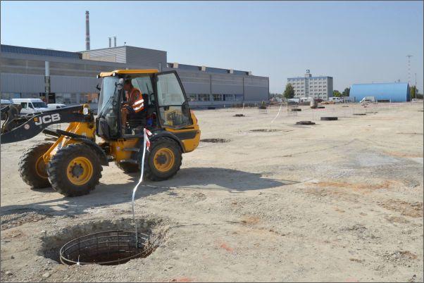 Nová hala českobudějovické společnosti Kern-Liebers CR vyrůstá na ploše sedmi tisíc metrů čtverečních