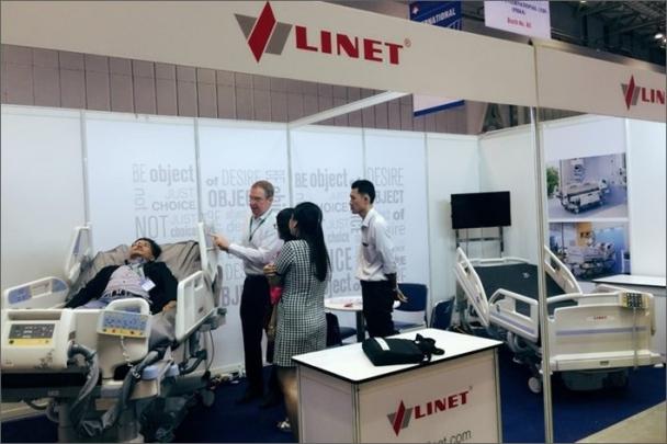 LINET se zúčastnil veletrhu Pharmedi 2016 ve Vietnamu
