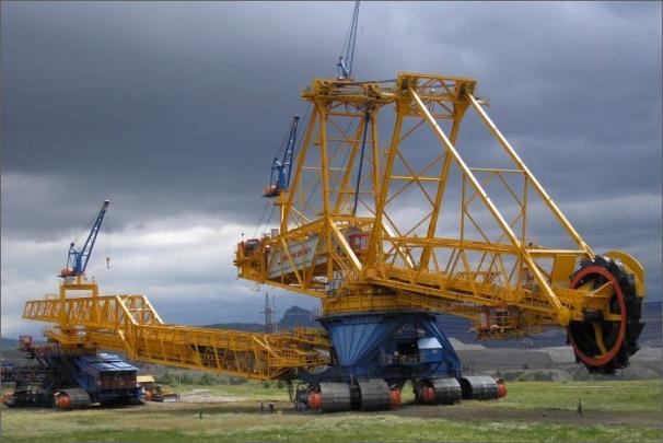 Akciová společnost UNEX je dlouholetým výrobcem kolesových rýpadel - zařízení pro těžbu velkých objemů zeminy, uhlí a rud povrchovým způsobem