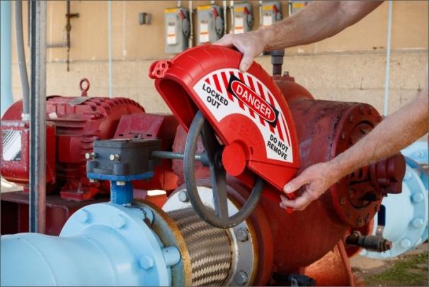 Bezpečné uzamčení pro velké průmyslové ventily