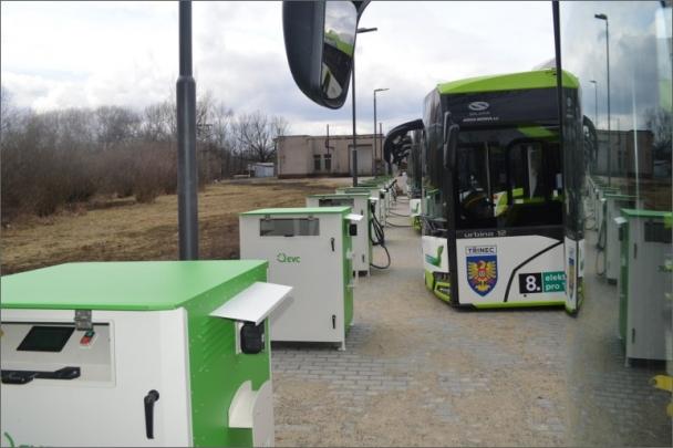 Nabíjecí stanice budou dodávat elektřinu pro 10 elektrobusů