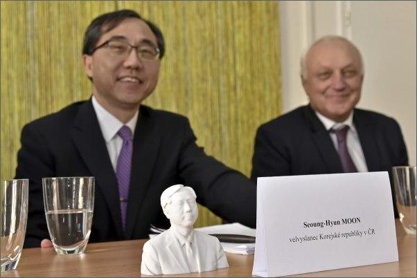 Na VUT zavítal jihokorejský velvyslanec