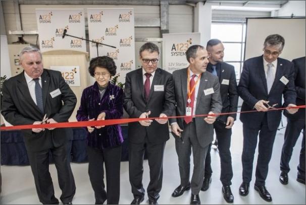 Společnost A123 Systems slavnostně otevřela novou továrnu v Česku