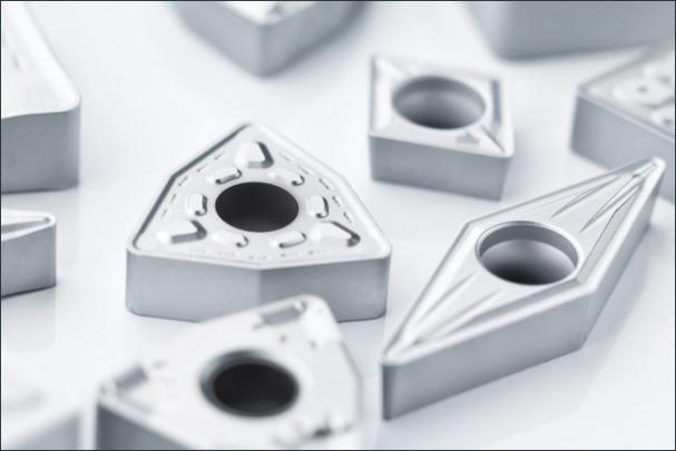 Úplný rozsah třídy TP3501 zahrnuje téměř 400 břitových destiček v široké škále dostupných geometrií