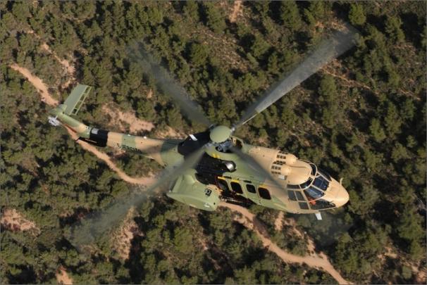 Těžký víceúčelový vrtulník H215M