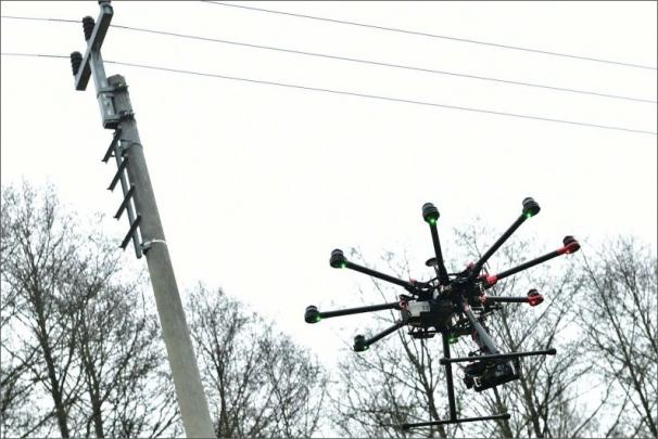 ČEZ Distribuce testuje drony v těžko přístupném terénu