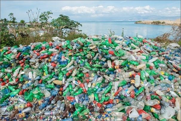 Dell jako první výrobce počítačů distribuuje zboží v obalech vyrobených z recyklovaného plastového odpadu z oceánu