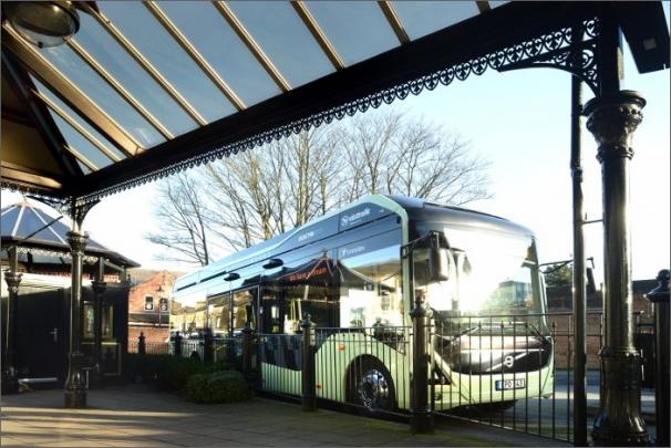 Infrastruktura OppCharge pro příležitostné nabíjení umožní celodenní nepřetržitý provoz elektrických autobusů Volvo