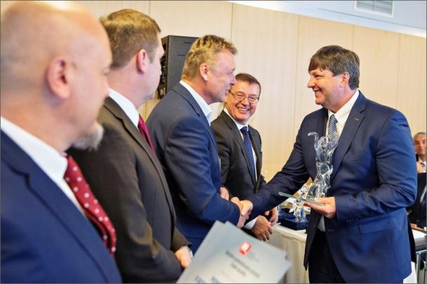 Sdružení automobilového průmyslu ocenilo MECAS ESI jako ´Podnik roku 2016´