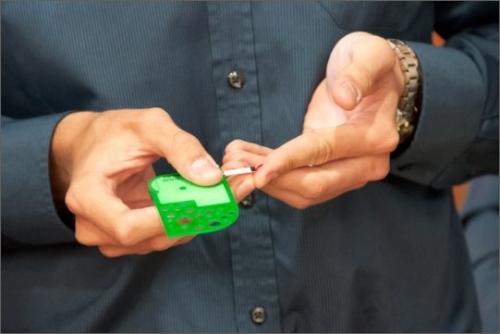 Glukometr X.GLU má velikost kreditní karty