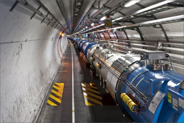 Urychlovační tunel