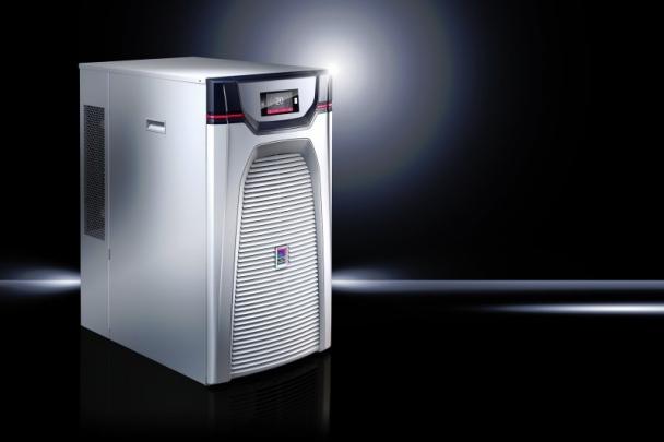 """Rittal uvádí na trh novou řadu chladičů kapalin """"Blue e+"""", která zvyšuje energetickou účinnost a současně zvyšuje stabilitu teploty chlazené kapaliny."""