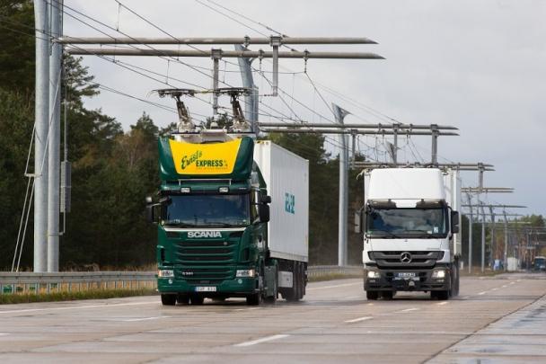 Elektrickým vedením pro hybridní nákladní automobily bude pokryt desetikilometrový úsek dálnice A5 mezi nákladovým prostorem Zeppelinheim/Cargo u frankfurtského letiště a překladištěm v Darmstadtu/Weiterstadtu.