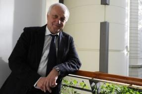 Největší českou techniku povede i nadále stávající rektor Petr Štěpánek