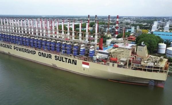 Současná nejvýkonnější plovoucí elektrárna MV Onur Sultan zásobuje až 480 MWe síť indonéského Myanmaru