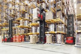 Linde Material Handling představuje nové VNA vozíky