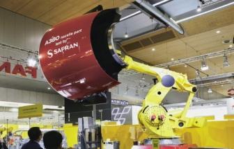 Na veletrhu EMO předváděl Fanuc robot, který unese 1 200 kg