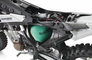 Plasty od EMS Grivory nahrazují kov motocyklového rámu