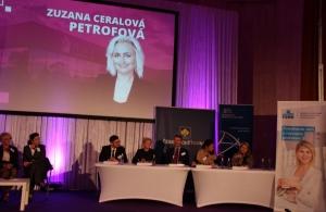 Ministr průmyslu ocenil manažerku královéhradecké společnosti Petrof