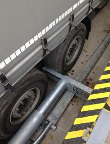 PowerLock 505NG zablokuje kamión nebo přívěs nanejvýš bezpečným způsobem