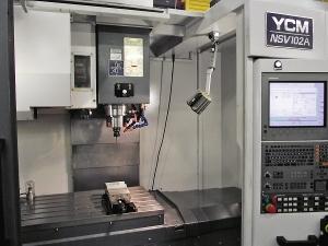 Obráběcí centrum YCM na dílně v Plymouthu
