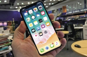Premiéra Apple iPhone X s displejem OLED