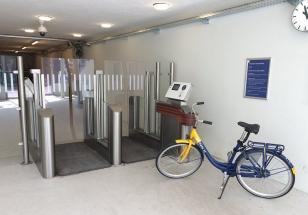 Bezobslužné parkování jízdních kol na železničních stanicích v Nizozemsku