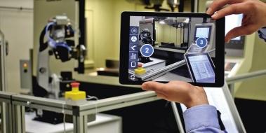 Rozšířená realita (Augmented Reality) okamžitě vidí aktuální vytíženost a produktivitu jednotlivých zařízení, plánování, chybová hlášení a další informace o zařízeních