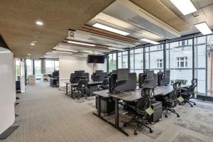 Některé místnosti byly přizpůsobeny pro soukromé cally dvou osob, jiné svým tvarem a vybavením ideálně slouží pro virtuální meetingy velkých týmů