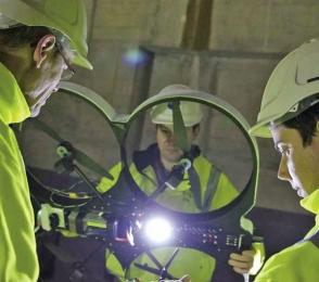 Ve Fukušimě by během letošního roku měly být nasazeny velké autonomní drony Riser, které mají zmapovat úroveň radiace ve většině vnitřních prostor poškozených reaktorů. Vyvinuty byly ve Velké Británii, kde v současné době podstupují poslední kolo zkoušek