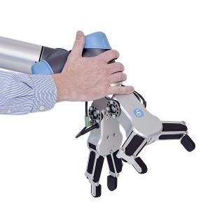 Osvald Jensen zkrátil délku obráběcího cyklu téměř o polovinu díky duálnímu gripperu od společnosti On Robot