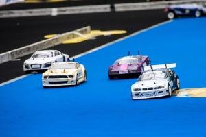 Středoškolští studenti po roce opět změří síly v závodě modelů aut na vodíkový pohon