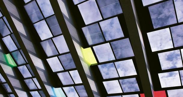 Články firmy Onyx Solar v mozaice ve španělské Salamance. Maximální výkon sestavy je zhruba 4,1 kW