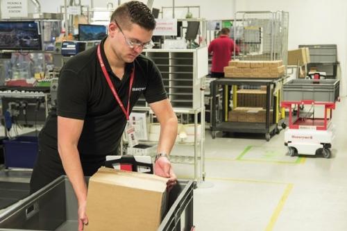 Společnost mohla uvolnit 6 pracovníků na smysluplnější práci, než je manuální převážení materiálu