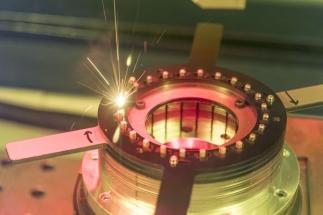 Laserová technika firmy TRUMPF při svařování měděných drátů pro vinutí elektromotorů metodou Hairpin
