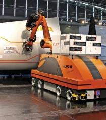 Mobilní robot KUK A zvládá širokou paletu úkolů údržby
