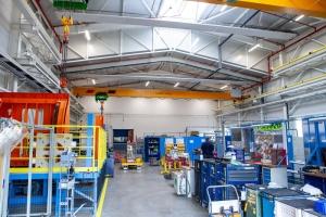 AGC Automotive dokončila novou skladovací halu za 30 milionů korun