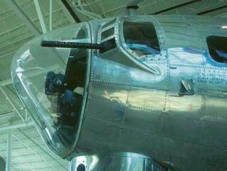 Akrylátový nos bombardéru B-17