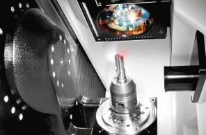 Obr. 5: Pracovní prostor stroje Ewag Laser Line Ultra