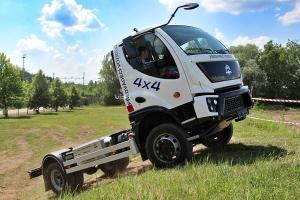 AVIA představila nový vůz v provedení 4x4