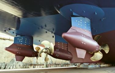 Trojice kormidlovacích Azipodů na zádi Symphony of the Seas s výkonem 60 MW
