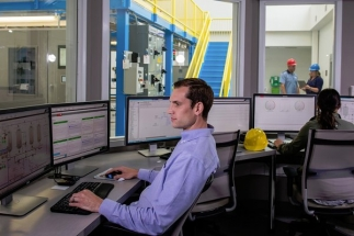 Nejnovější verze systému DCS PlantPAx propojuje pracovníky prostřednictvím chytřejšího a intuitivnějšího rozhraní