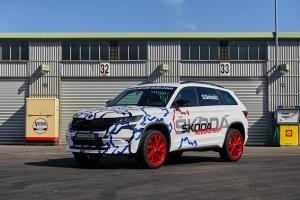 První sportovně laděné SUV značky ŠKODA, model KODIAQ RS, vytvořil na Nürburgringu nový rekord v kategorii 7místných SUV.